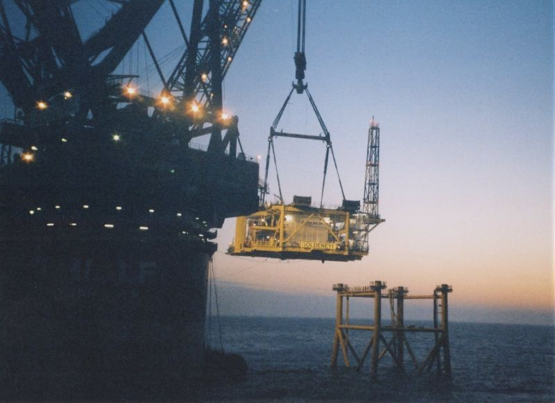 offshore hook up jobs Project decription clough has been awarded a contract for the project management and offshore hook-up and commissioning component (huc) of the chevron-operated wheatstone project.